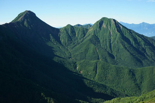 夏の赤岳 (1280x853) (640x427).jpg